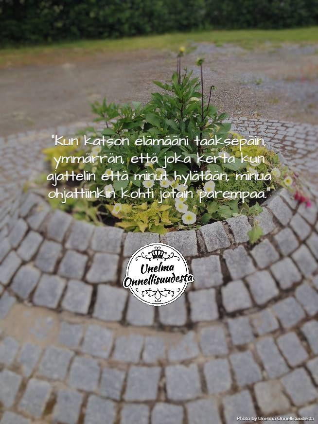 Käy katsomassa lisää inspiroivia lainauksia Blogista ja Facebookista! Tervetuloa! http://unelmaonnellisuudesta.blogspot.fi/