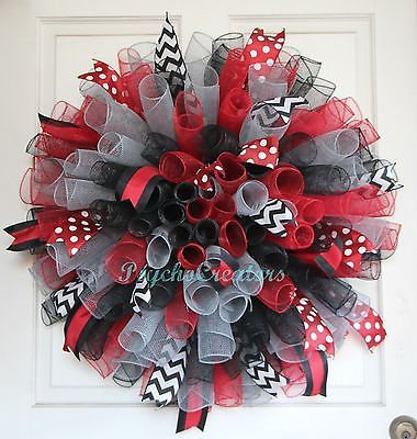 Bulldogs-Red-Black-Silver-Deco-Mesh-Wreath-Curly-Spiral-Wreath-Sports-Team