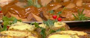 Ένα πιάτο που ταιριάζει τόσο στο τραπέζι της Κυριακής, που έρχεται, όσο και στο γιορτινό που κοντοζυγώνει, φτιάχνει ο Βασίλης Καλλίδης σήμερα στο Πρωινό.