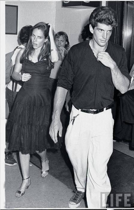 jfk jr and christina haag   John F. Kennedy Jr. (R) and girlfriend, actress Christina Haag ...