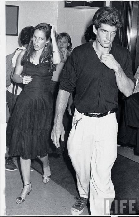 jfk jr and christina haag | John F. Kennedy Jr. (R) and girlfriend, actress Christina Haag ...