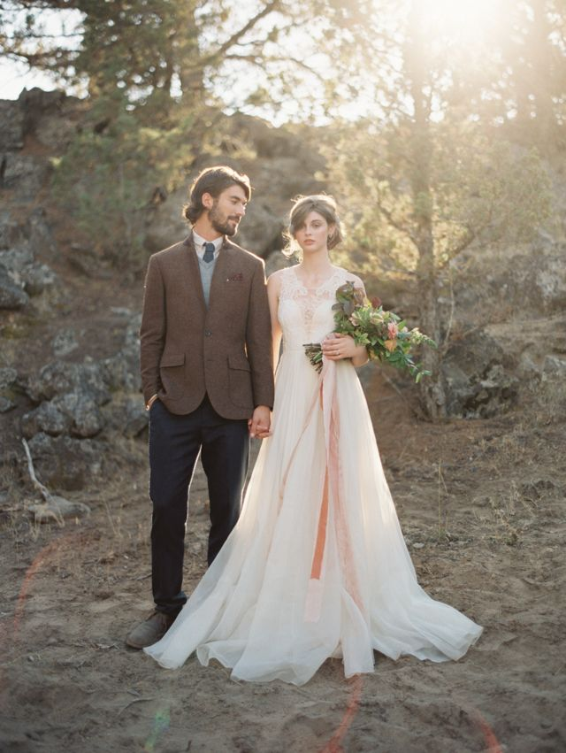 Leanne Marshall wedding dress | Kate Weinstein Photography | see more on:  http://burnettsboards.com/2014/12/earth-bride/