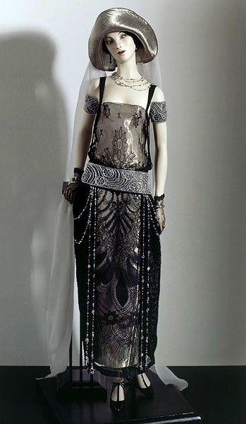 ✿ڿڰۣ(̆̃̃•Aussiegirl Art Deco Doll