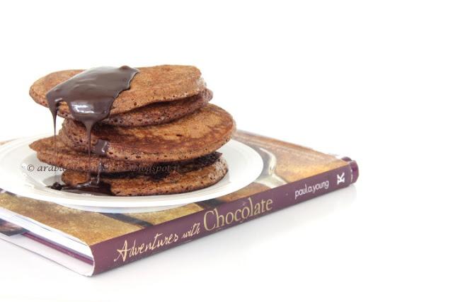 pancakes al cioccolato (si possono fare anche senza glutine) con salsa al cioccolato fondente e sciroppo d'acero                     #recipe #juliesoissons