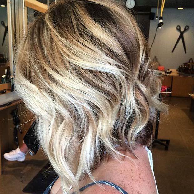 Textured A Line Bob Cut Silver Blonde Highlights Hair Frisuren Bob Frisur Haarfarbe Blond