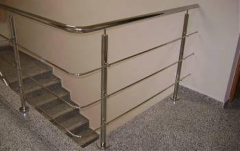 Alig igényel törődést a rozsdamentes acélból készült korlát.  http://rozsdamenteskorlat.eu/hu/faq