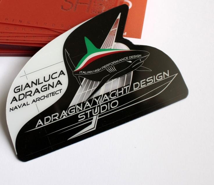 cartes de visite en PVC transparent  avec une forme très spéciale. Epaisseur 400 microns. Imprimer avant / arrière.      by http://www.pinkograf.com/en/products.html