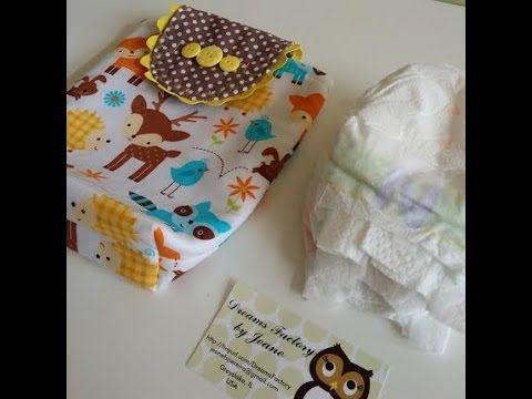 Um bolsa muito charmosa para fraldas de bebês. Você poderá confecciona-la para o seu filho, para presentear ou até mesmo para vender. Todo mundo vai amar ess...