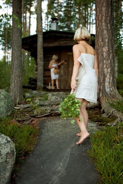 Naiset saunaan!/Women in sauna Sumiainen Kuva/Photo: Maalla / Hanna-Kaisa Hämäläinen http://www.facebook.com/MatkaMaalle http://www.keskisuomi.net/ http://www.centralfinland.net/