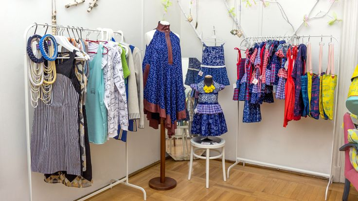 Pop-up store: dresses by Musume, Piroshka and POPO  http://www.budapestwithus.hu/heinrick-pop-up/