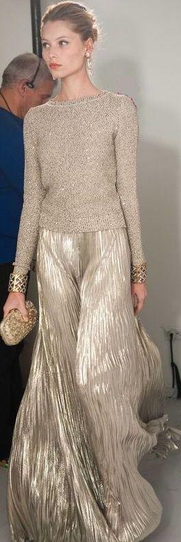 Skirt is divine. Oscar de la Renta