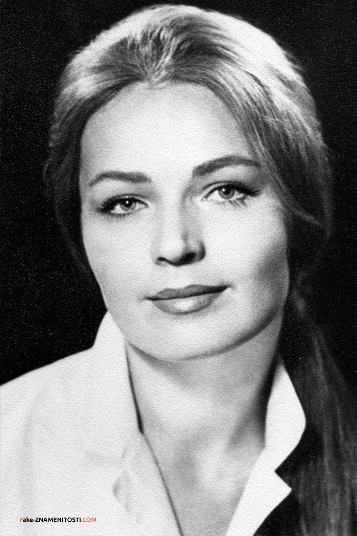 Людми́ла Алексе́евна Чурсина́ (20 июля 1941, Сталинабад, ныне - Душанбе Таджикская ССР, СССР) — советская и российская актриса театра и кино. Народная артистка СССР (1981). Член КПСС с 1970 года.