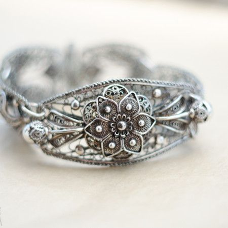 1920's pure silver filigree bracelet Available on www.uberdentraum.com #udt