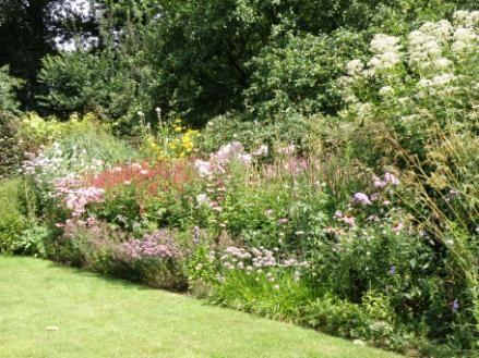 zitten weelderige tuin - Google zoeken