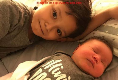 10 GAMBAR - WAJAH COMEL KAYLA REYSHA ANAK DIANA & ZAMARUL   Pada 22 Ogos lalu pasangan pelakon Diana Rafar dan Zamarul Hisham telah menyambut kelahiran anak kedua mereka yang diberi nama Kayla Reysha.<< BERITA & GAMBAR SELANJUTNYA - SILA KLIK >> via My Artis Gosip