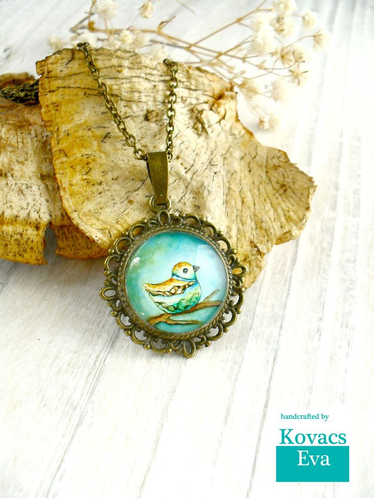 Bird pendant.Handpainted vintage pendant.Bird necklace.Turquoise bird pendant.Vintage style necklace.Woodland jewelry.