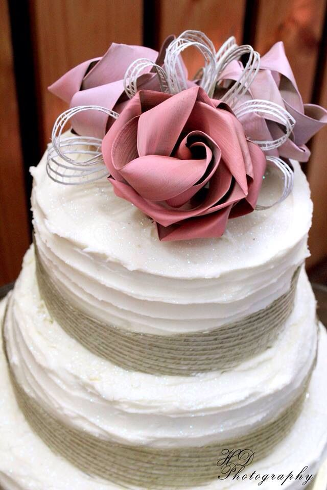 Rustic flax flower cake topper by Flaxation. www.flaxation.co.nz