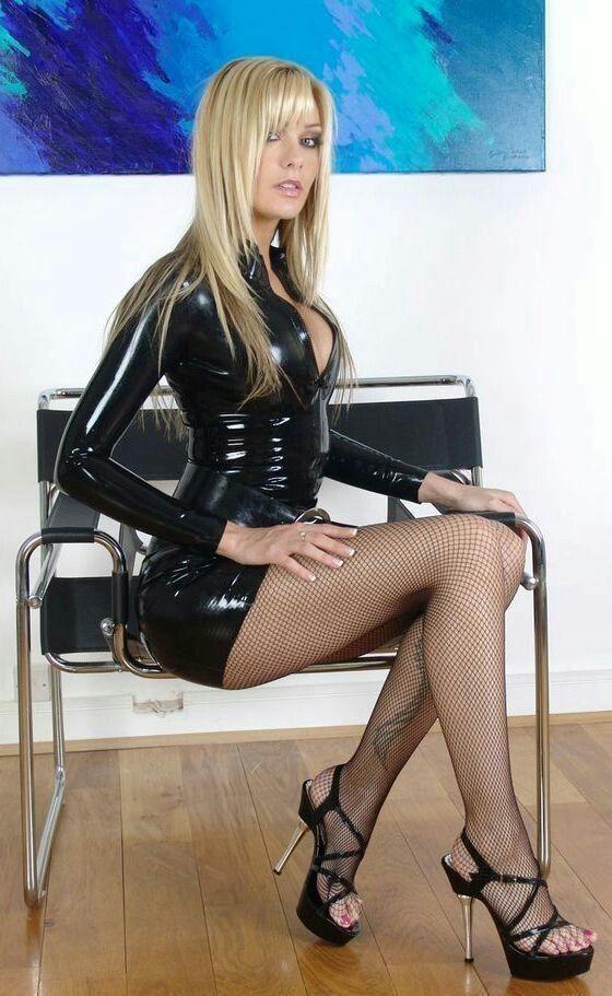 salope en robe sexy femmes dominatrices