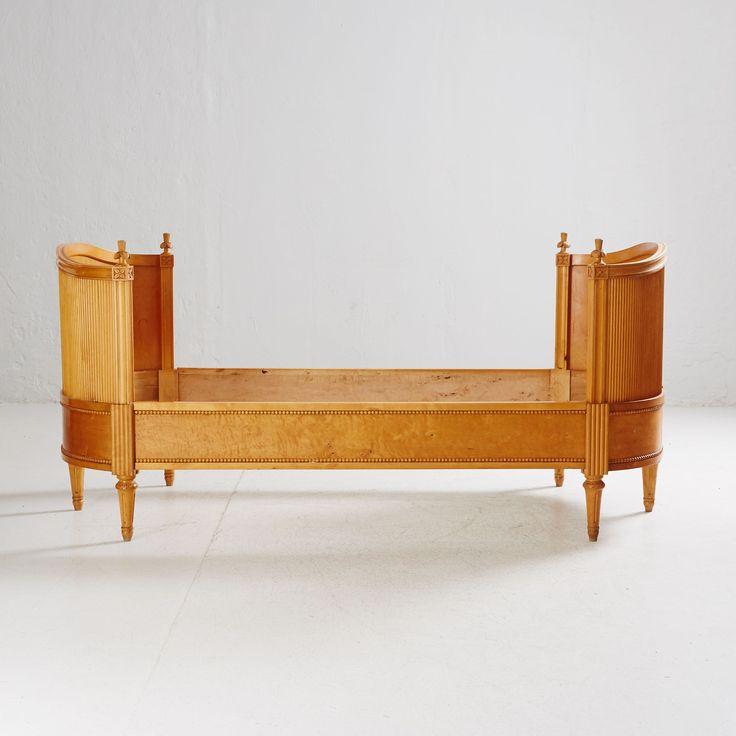 Säng gustaviansk stil | Stockholms Auktionsverk Online