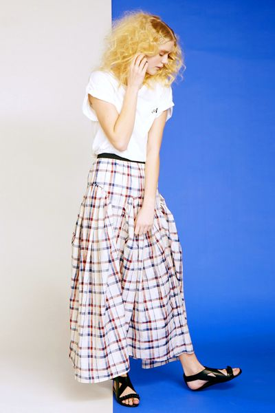 avie British check bubble maxi skirt