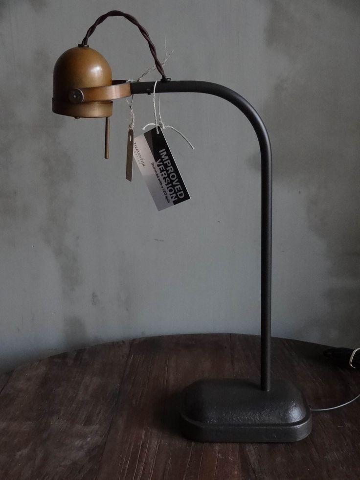 VERKOCHT! Zware metalen tafellamp / burolamp Spezia uit de prachtige collectie van Tierlantijn in bruin patina/brons...