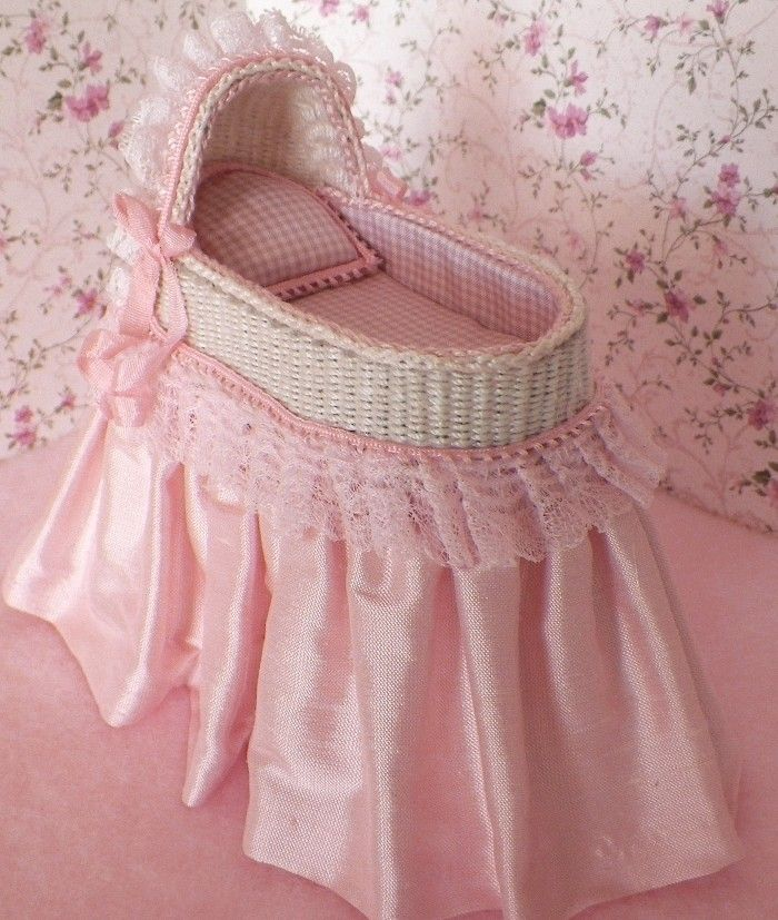 Omg so flipping cute!! A baby girls perfect first bed