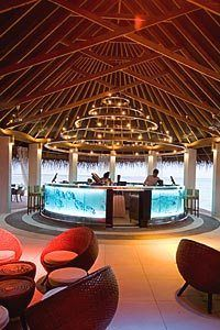 Iru Bar of club med kani