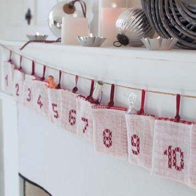 25 petits sachets à ouvrir contenant chacun un petit cadeau, c'est le calendrier de l'Avent à fabriquer sans plus tarder.