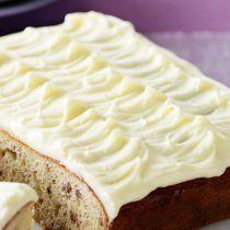 Este Betún de Queso Crema es perfecto para decorar cualquier tipo de Cupcake o Pastel, queda especialmente bien con el de Zanahoria, los Cupcakes Red Velvet y los de Plátano.