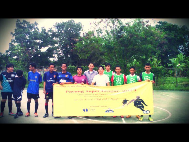 Kick Off pertama Team Sedikit Beruntung VS Karasu. Skor akhir pada pertandingan ini tim Sedikit Beruntung (5) VS (2) Karasu.