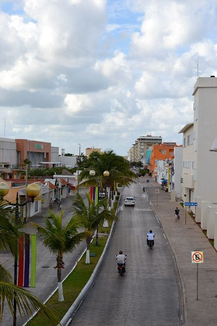 how to get from isla mujeres to playa del carmen