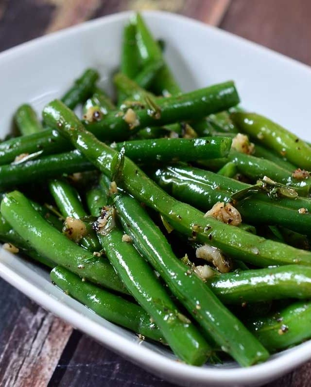 Summer Savory and Garlic Green Beans #Recipe #vegetarian