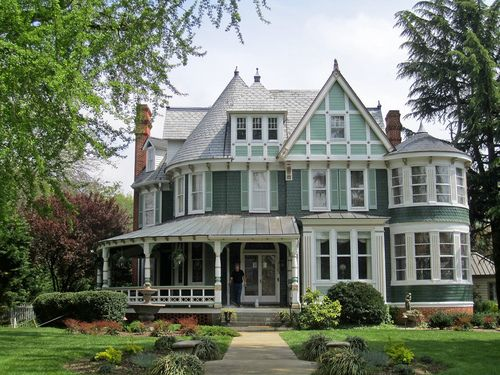 2151 best queen ann victorian houses images on pinterest for Queen anne victorian