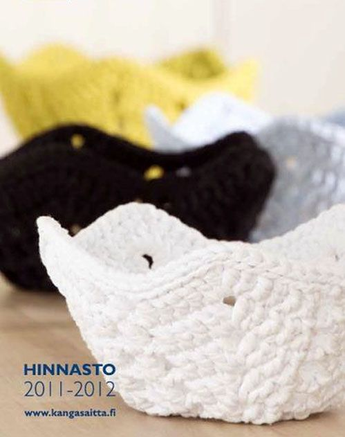 Crochet lace basket - free pdf pattern (finn) #tshirtyarn #trapillo #fettuccia