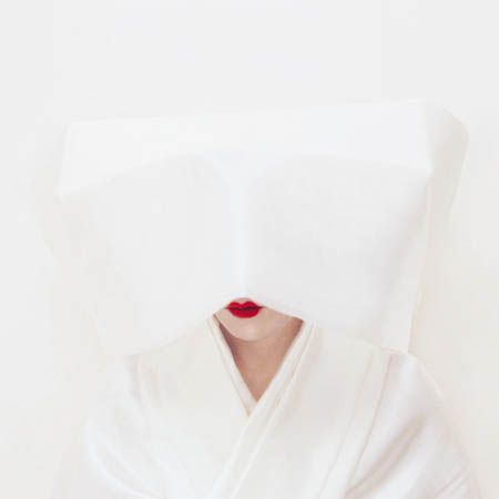 The right way to do red lips (love the minimalist vibe!)