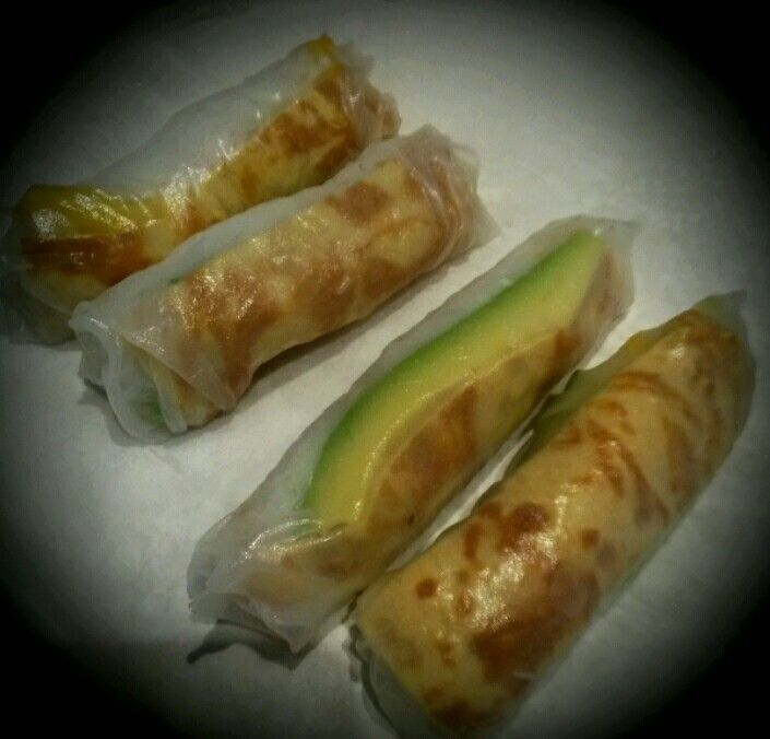 Crystal (summer) rolls  Rice paper skins Fine rice noodles Avocado Spring onion Red / yellow pepper Cucumber Pickled ginger Japanese omelette (eggs, salt, sugar soy sauce or ponzu)  Japanese mayo mixed with sweet chili sauce for dipping.