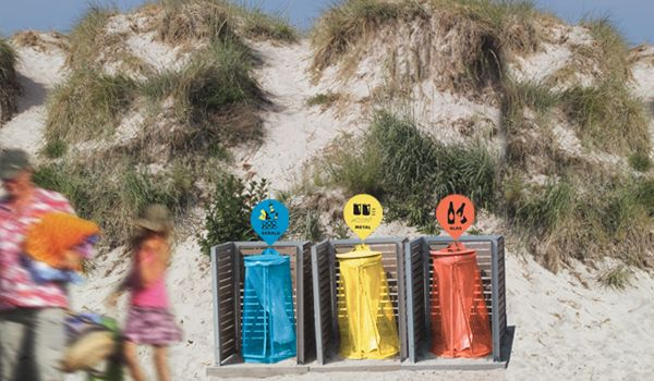 Giving waste cans different colors ensured the that the waste got sorted at disposal  at Danish beaches.