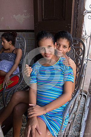 An unmarried mother sitting in the hospital with her sister (Trinidad-Cuba)