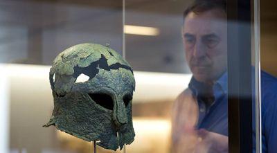 The Secret Real Truth: Μαγεύει την Ισπανία ο αρχαίος Έλληνας πολεμιστής μ...