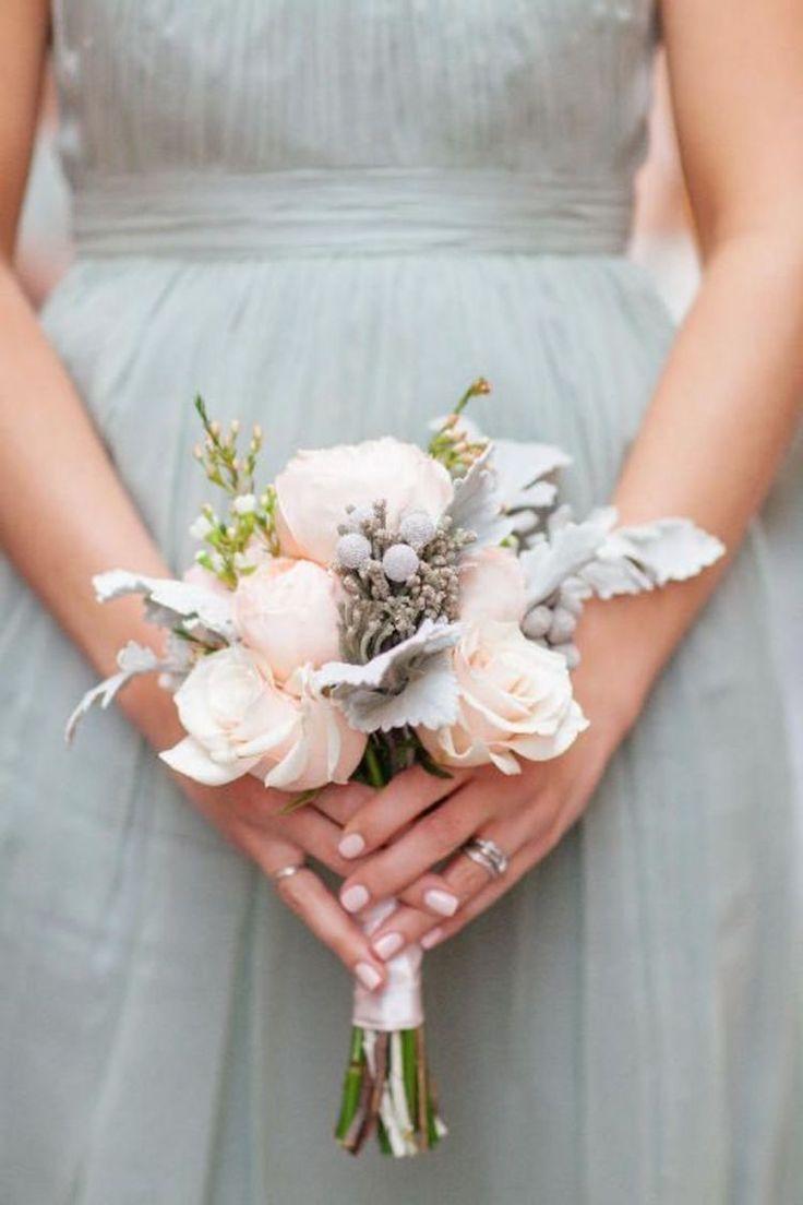 Скромные свадебные букеты, невесты голубые