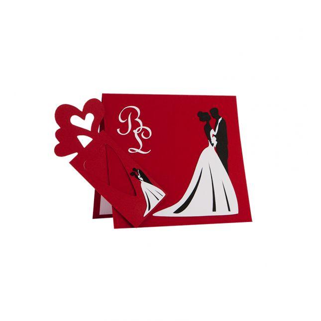 Invitatie nunta din carton rosu, cu model mire si mireasa realizat din carton alb si negru #Nunta #InvitatieNunta #WeddingInvitation