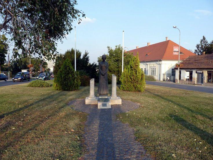 II. World War Memorial / II. Világháborús emlékmű - Érd, Hungary