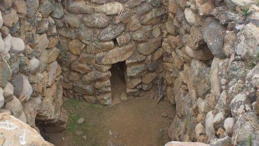 Oggi vi portiamo alla scoperta del #Nuraghe di sa Domu è s'Orcu, partendo da #Pula si percorre http://t.co/gUrjYLEGTg http://t.co/4KqDzWirSz  www.pula.it