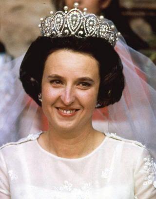 goddesssaintnoblewomannun:  Infanta Pilar on her wedding day, 1967