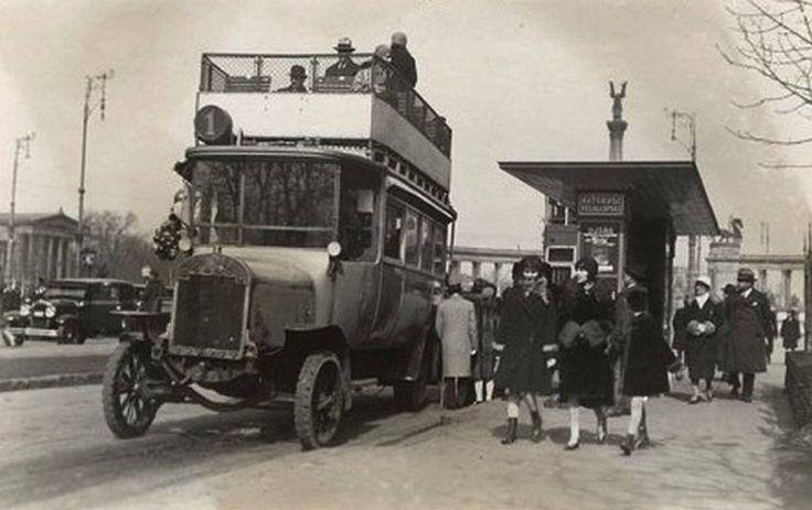 1925. Andrássy út, az 1-es autóbusz-végállomása