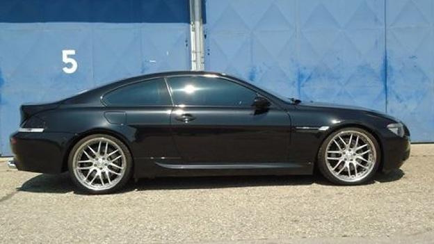 For sale: BMW M6. http://www.autorevue.at/best_of_boerse/bmw-m6-v10-gebrauchtwagen.html