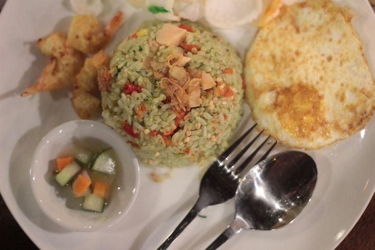 Nasi Goreng Meneer Makanan Legendaris di Malang  - Kuliner Malang