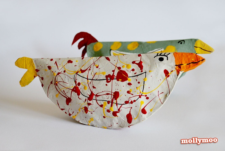 PAPER PLATE CHICKENS - Simple, sweet and character rich - the perfect blank canvas for children of any age to explore colour and pattern, paint a picture or just get splashing :) #craftsforkids #kidscrafts #paperplates