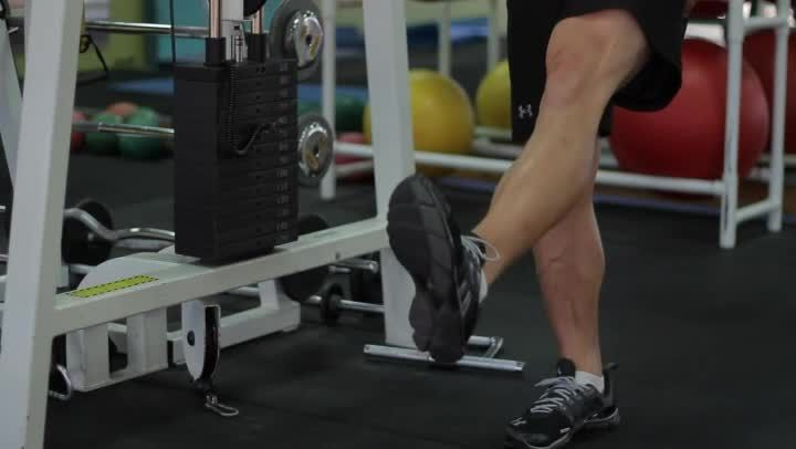 Other Ways to Exercise With a Pulled Calf Muscle (Video) by Shane Freels