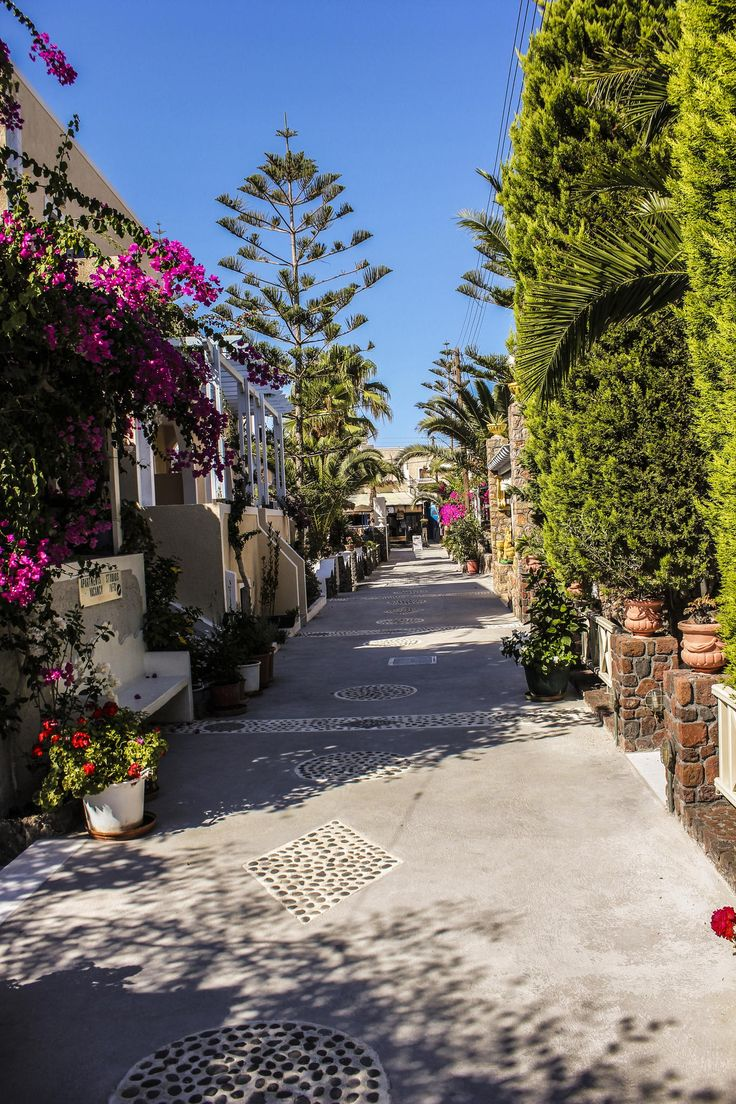 Street in Kamari Beach - Santorini